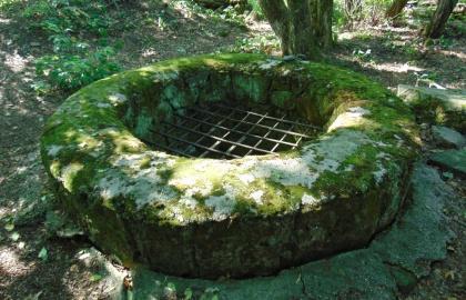 A toronyaljai pálos kolostorból mára csupán a 19,9 méter mély kút maradt…