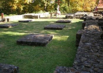 A templom maradványai