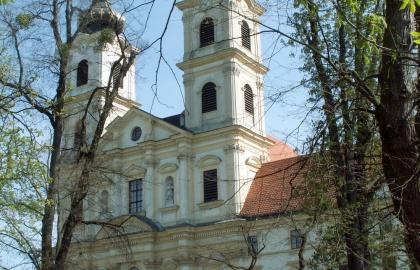 Sasvár volt pálos temploma híres búcsújáróhely
