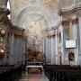 A székesfehérvári ciszterci templom belseje (Fotó: Teemeah CC BY-SA 4.0, https://commons.wikimedia.org/w/index.php?curid=39927042)