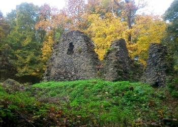 Az uzsaszentléleki pálos kolostor romjai (Fotó: Baranyi Katalin)
