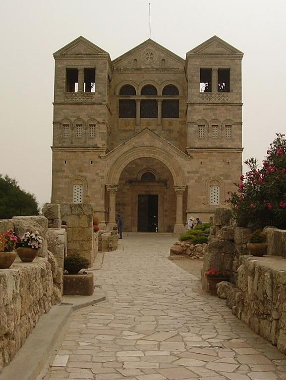1024px-PikiWiki_Israel_9558_mount_tabor_catholic_church