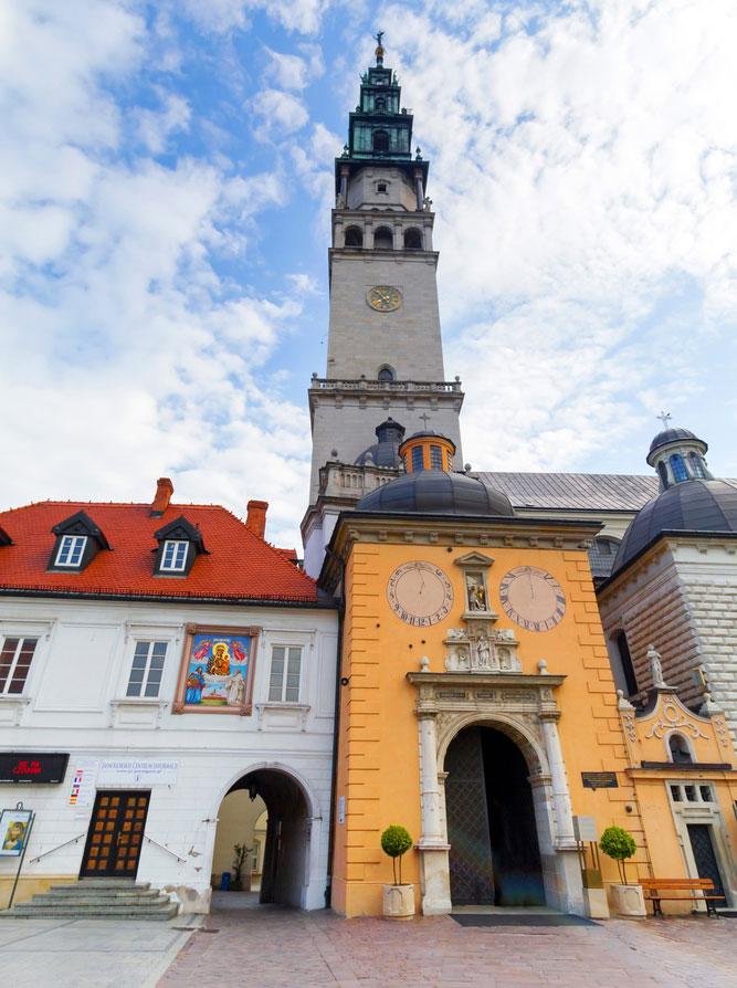Visitors-monastery-pilgrimage-site-Jasna-Gora-Czestochowa
